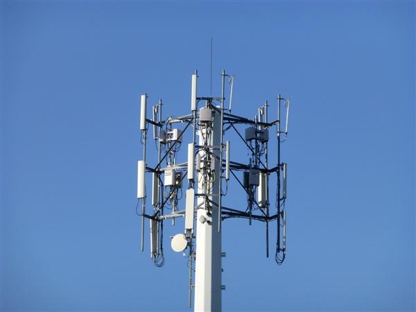 就4G网速变慢问题 工信部约谈三大运营商